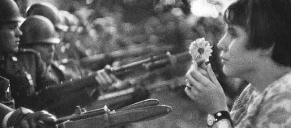 REvolución de los claveles